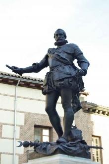 Detalle de la estatua de Álvaro de Bazán. Foto Archivo Fundación Mariano Benlliure