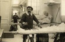 Mariano Benlliure en su estudio. Foto Archivo Fundación Mariano Benlliure