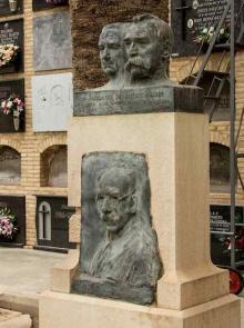 Tumba de la familia Benlliure. Cementerio del Cabañal. Foto Archivo Casa-Museo Benlliure, Ayuntamiento de Valencia.