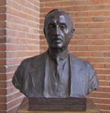 Busto en bronce de Andrés Chastel, 1928. Colección particular. Foto Archivo FMB