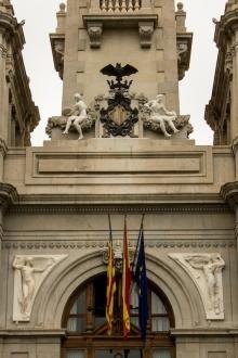 3 Escudo y alegorías fachada Ayuntamiento. Foto Archivo Casa-Museo Benlliure, Ayuntamiento de Valencia