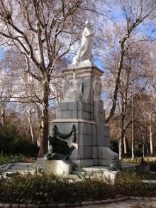 Monumento a Cuba, Parque del Retiro de Madrid, Colaboraron Benlliure, Blay, Ansorey y Cristobal. Foto Archivo FMB