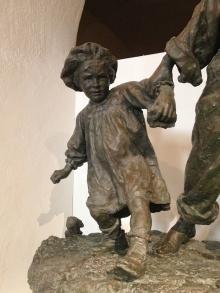 """Antonio Sciortino, """"Les Gavroches"""", 1904, bronce. Museo de Bellas Artes (detalle), La Valetta. Foto Archivo Fundación Mariano Benlliure (AFMB)"""