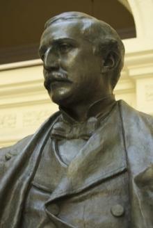 Monumento al marqués de Larios, detalle de la estatua del marqués. Foto Fundación Mariano Benlliure