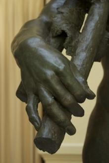 Monumento al marqués de Larios, detalle de la mano derecha de la Alegoría del trabajo. Foto Fundación Mariano Benlliure