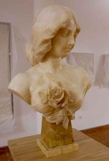Cleo de Merode, 1914, alabastro. Atribuida a Mariano Benlliure. Foto Archivo Fundación Mariano Benlliure