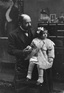 Juan Antonio Benlliure con su hija Angelita. Archivo FMB