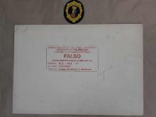Reverso del dibujo falso marcado con sello como falso. Foto Archivo Subrupo Patrimonio de la Policía Nacional adscrita a la Comunidad Valenciana