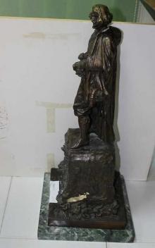 Copia del boceto del monumento a Velázquez con la firma apócrifa lijada. Foto Archivo Subrupo Patrimonio de la Policía Nacional adscrita a la Comunidad Valenciana