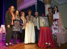 La pianista Nuria Ollora, Cristina Fernández Igea (soprano), Lucrecia Benlliure, Elena López (actriz), Antón Armendáriz (tenor), Lucrecia Enseñat y Nerea Elorriaga (mezzosoprano). © Riojalírica