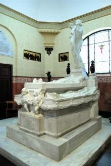 Mausoleo de la Vizcondesa de termens, féretros de la vizcondesa de Termens y de sus padres. Foto Archivo Fundación Mariano Benlliure
