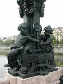 Mariano Benlliure, niños que juegan alrededor del pie de la farola del puente María Cristina, San Sebastián. @ Fundación Mariano Benlliure