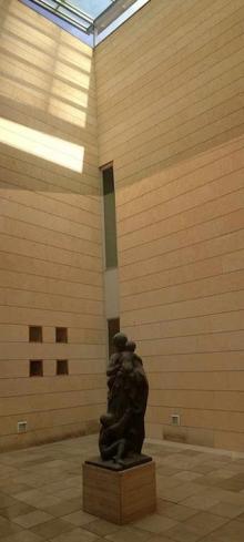 Patio de luces al final de las salas de Sorolla en el Museo de Bellas Artes, donde se piensa montar para su exposición durante 2017. Foto Archivo Fundación Mariano Benlliure