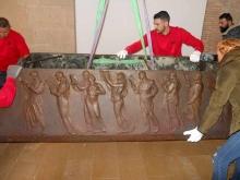 Sarcófago de Blasco Ibáñez durante el desmontaje. Foto Archivo Fundación Mariano Benlliure