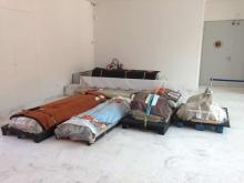 El Sarcófago en el una sala del Museo de Bellas Artes, en espera de su próximo montaje. Foto Archivo Fundación Mariano Benlliure