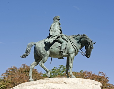 Estatua general MARTÍNEZ CAMPOS