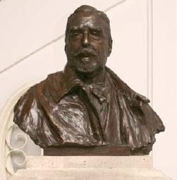 Marqués de la Vega-Inclán